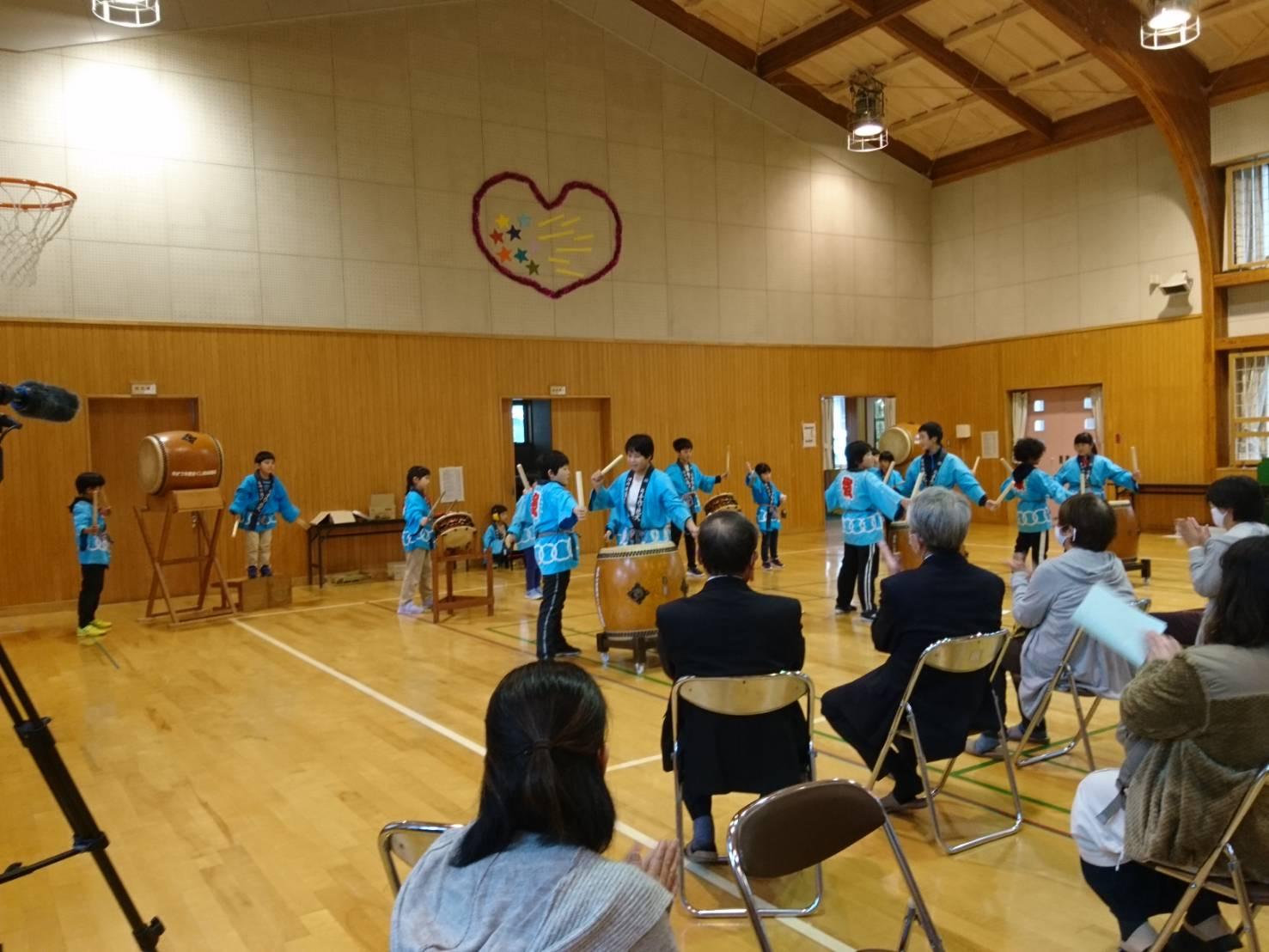 小学校で音楽会を開催しました!